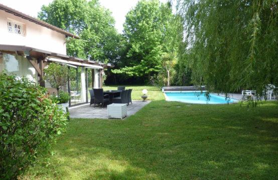 ARBONNE  Charmante  Villa Piscine M107JOC