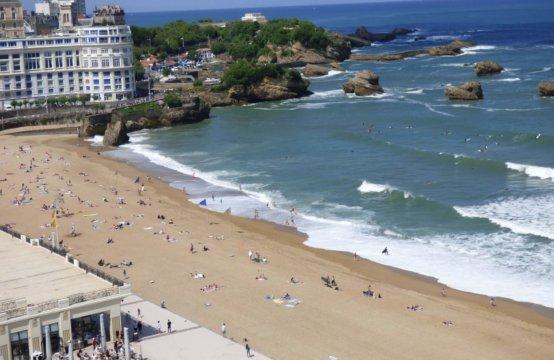 Biarritz Grande Plage Vue Mer Piscine 4 Pers REF V 122 SEN